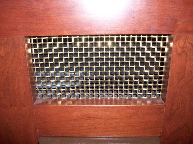gold stainless steel wire mesh church pew