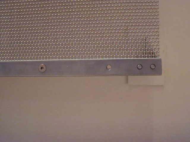 Temple Jeremiah stainless/brass mesh wall-mounted diffusion panels